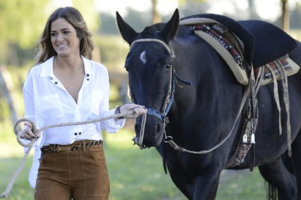 jojo and horse.jpg